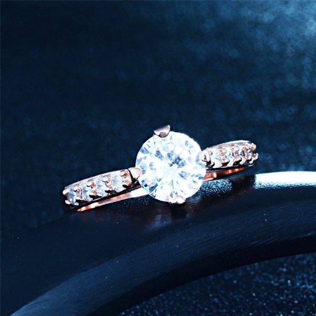 Woman's Elegant Cubic Zirconia Ring
